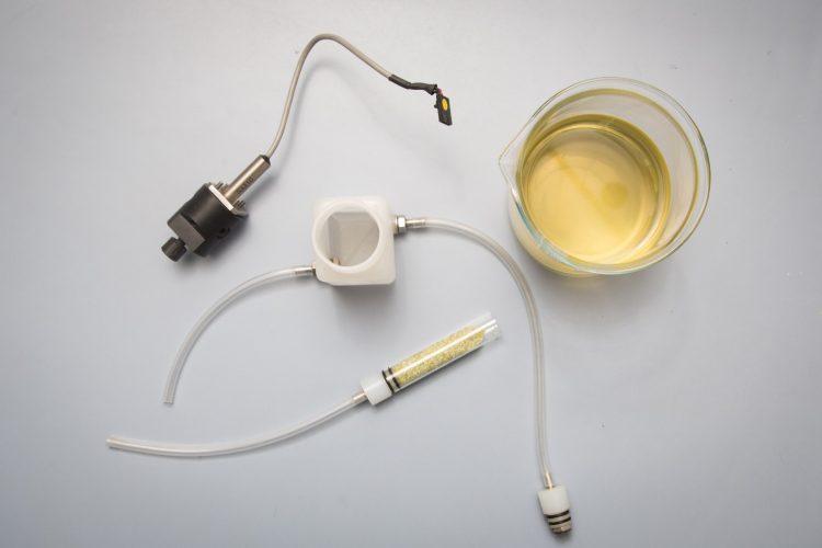 Dispositivo per la stabilizzazione del vino